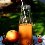 Hybensmoothie med æble & gulerod