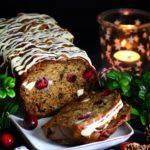 Julebananbrød med friske tranebær & hvid chokolade