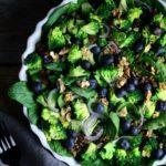 Fyldig salat med grønt & groft