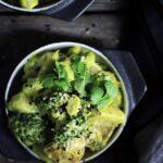 Curry med edamamebønner, kartofler, grøn karry & kokosmælk