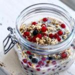 Overnight oats med ribs, solbær & perlespelt