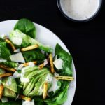 Cæsar salat med skyr-dressing