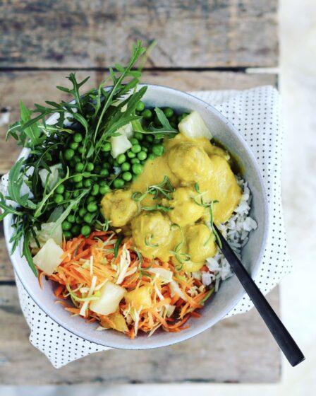 Karrysauce med grøntsager og røde linser