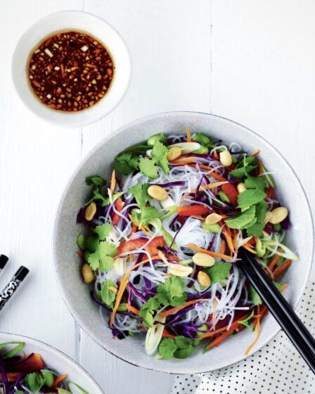 Nudelsalat med bønneglasnudler og soya-misodressing